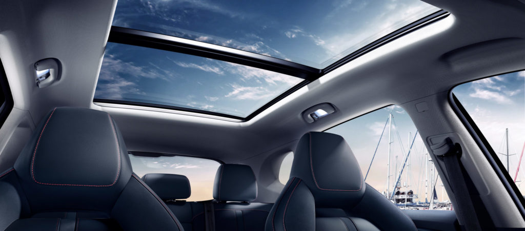 mg_ehs_phev_gallery_slider_fullbleed_sunroof